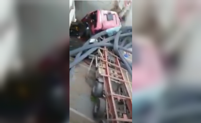 İnanılmaz kazadan yaralı kurtuldular