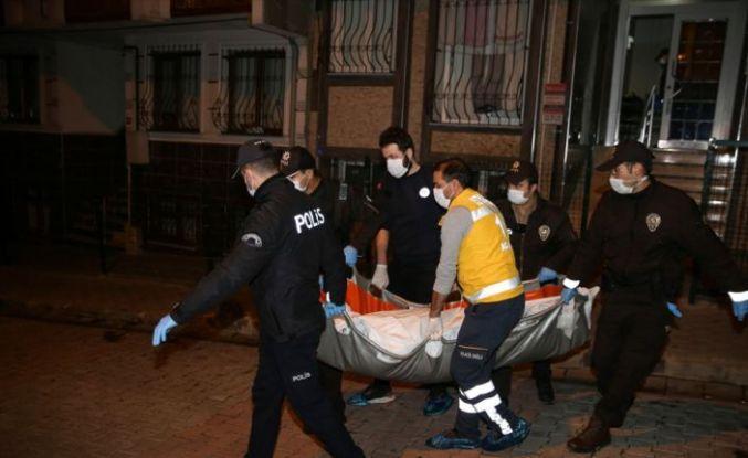 Küçükçekmece'de eşini bıçaklayarak öldürdüğü iddia edilen kişi gözaltına alındı