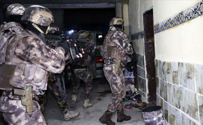 Adana'da DEAŞ'a yönelik operasyonda 4 şüpheli yakalandı