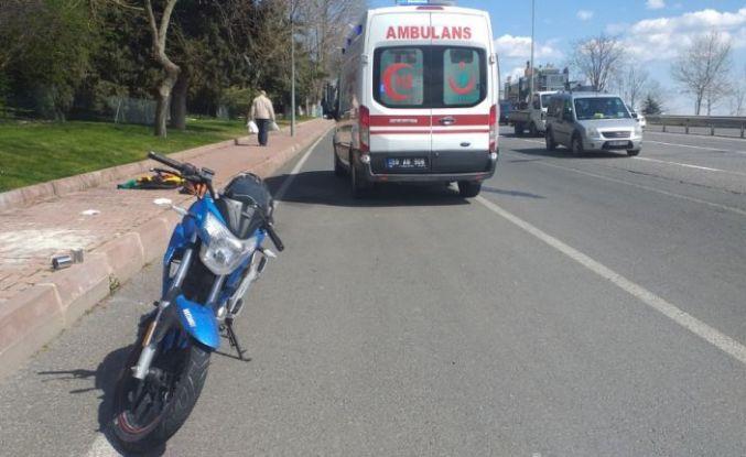 Tekirdağ'da yaralanan motosiklet sürücüsüne müdahaleyi çarptığı ambulanstaki ekip yaptı