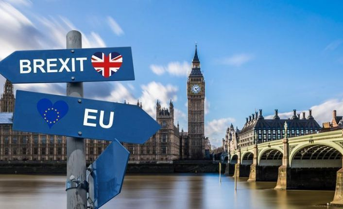 Brexit kaosu İngiliz halkını böldü