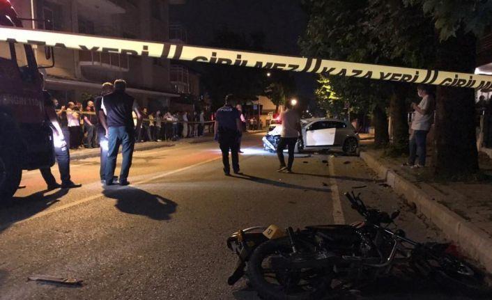 Sakarya'da otomobil ile motosiklet çarpıştı: 1 ölü, 2 yaralı