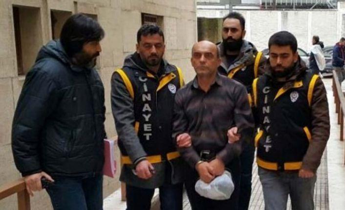 """Bursa'daki """"baltalı"""" cinayet sanığına müebbet hapis cezası verildi"""