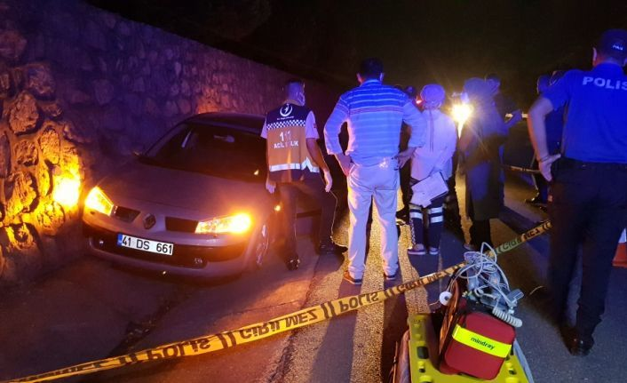 GÜNCELLEME - Kocaeli'de seyir halindeyken silahlı saldırıya uğrayan sürücü öldü