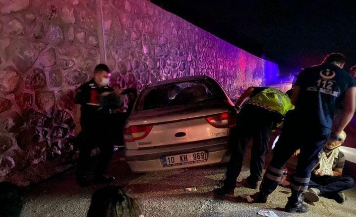 Balıkesir'de trafik kazasında 4 kişi yaralandı