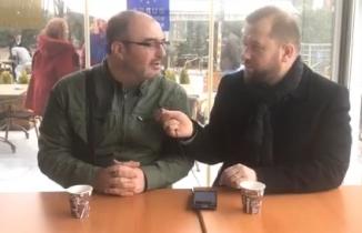 Mustafa Bozbey için düzenlenen tanıtım programında gazeteci Atilla Sağım ile gündemi değerlendiriyor